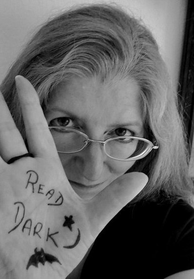 Janet Joyce Holden - Horror Selfies - Read Dark